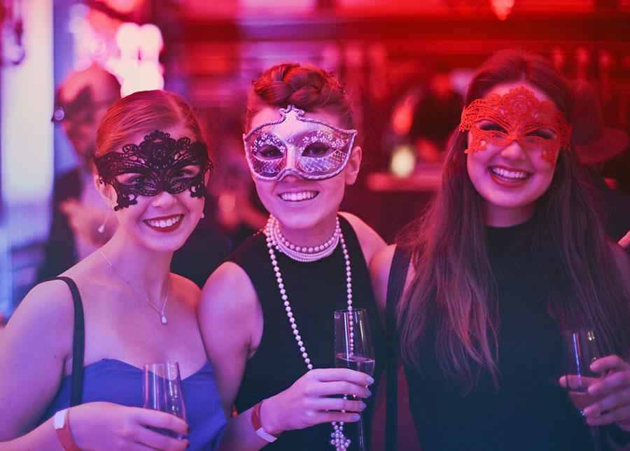manninas-masquerade